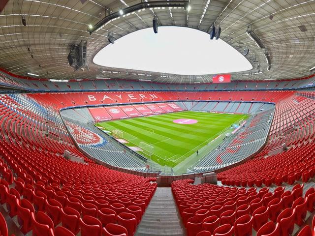 Blick in die leere Allianz Arena in München.