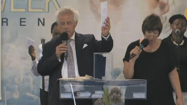Hobby-Prediger zockt mit Aktien gutgläubige Kirchgänger ab