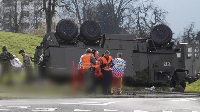 Verunfallter Militärtransporter.