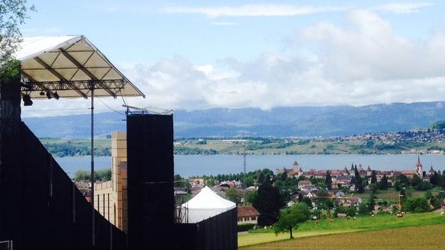 Blick auf den Murtener See.