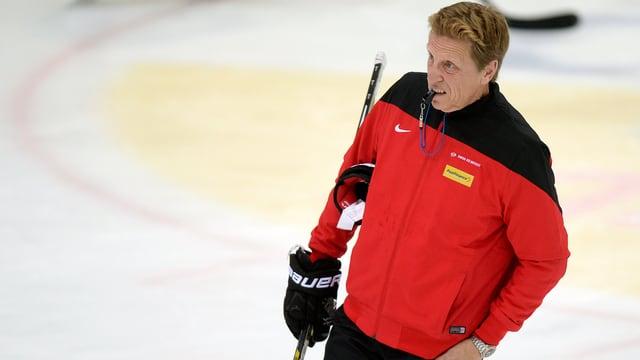 Glen Hanlon während eines Trainings auf dem Eis.