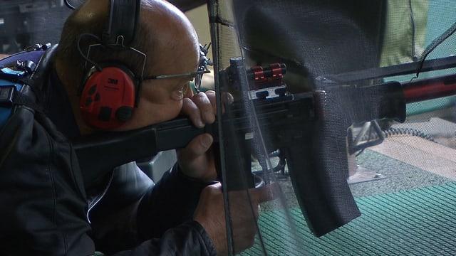 Video «Waffenlobby, Werner Salzmann, Bahnstreik in Frankreich, Tinder» abspielen