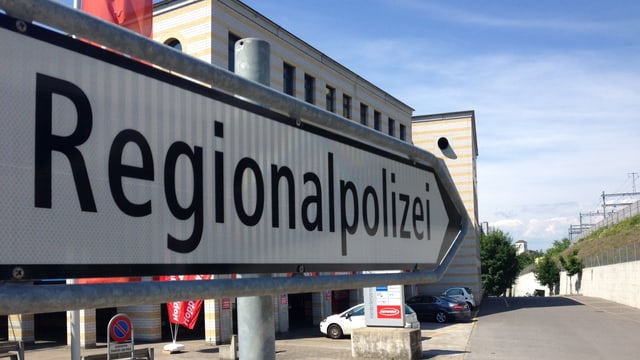 Regionalpolizei-Schild in Lenzburg