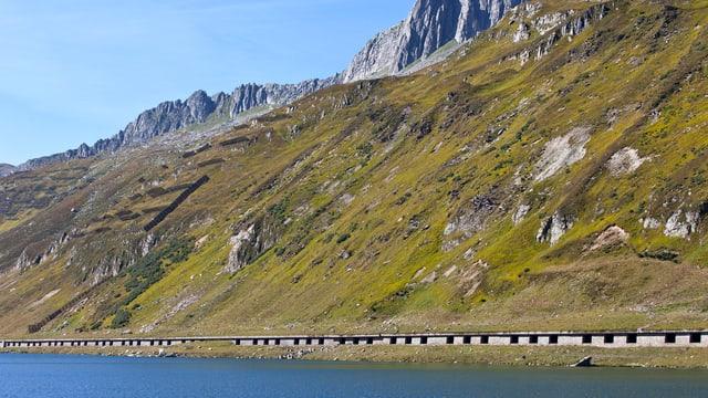 La gallaria sper il Lai da l'Alpsu vegn sanada.