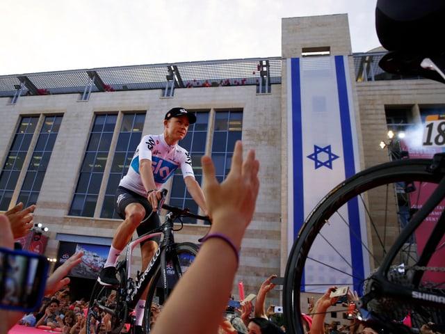 Chris Froome bei der Teampräsentation vor dem Giro-Start.