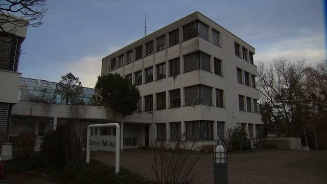 Mehrstöckiges Haus.