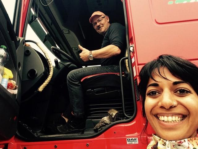 Ruedi und ich vor dem Truck