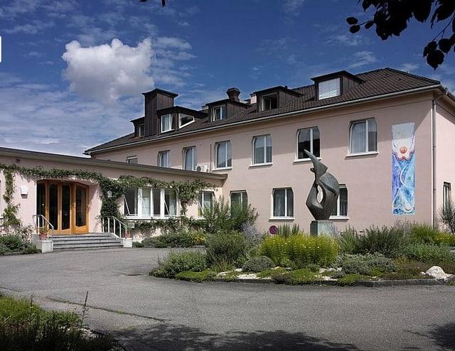 Das Gebäude der Lukas Klinik in Arlesheim.