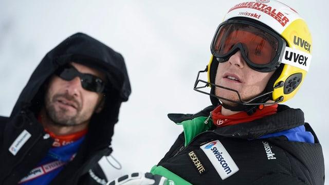 Slalomtrainer Steve Locher (links) und Reto Schmidiger.