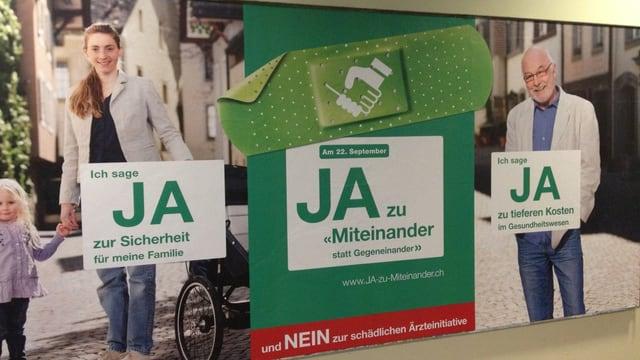 Plakatwand für ein Ja zur Apothekerinitiative.