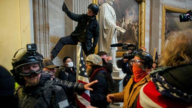 Maskierte im Kapitol am 6. Januar.