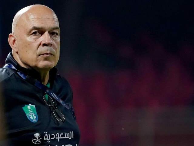 Christian Gross zwei Wochen vor seiner Entlassung bei Al-Ahli.