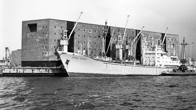 Der Kaispeicher A im Hamburger Hafen.
