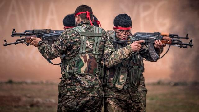 YPG-Kämpfer