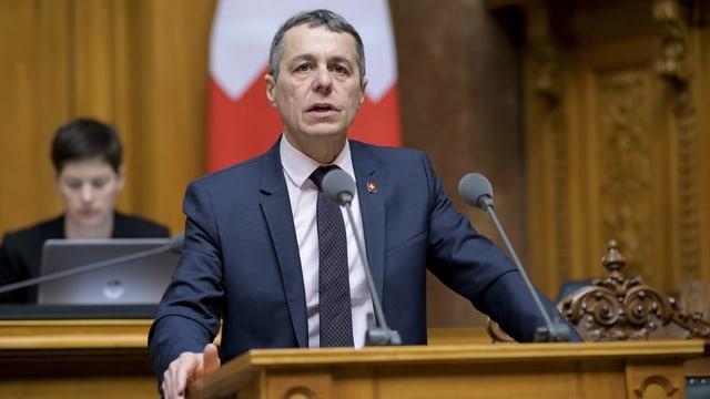 Purtret d'Ignazio Cassis en il parlament.