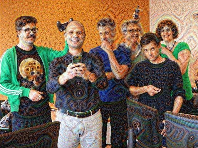Ein surreales Gruppen-Foto.