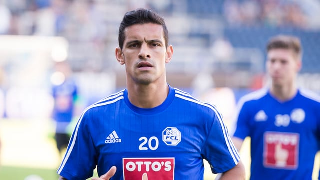 Eine Nahaufnahme von Ricardo Costa im FCL-Dress.