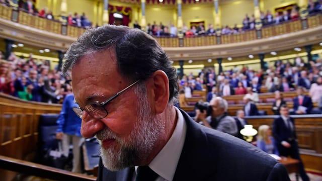 Ministerpräsident Mariano Rajoy verliert den Machtkampf im Parlament und wurde abgewählt.