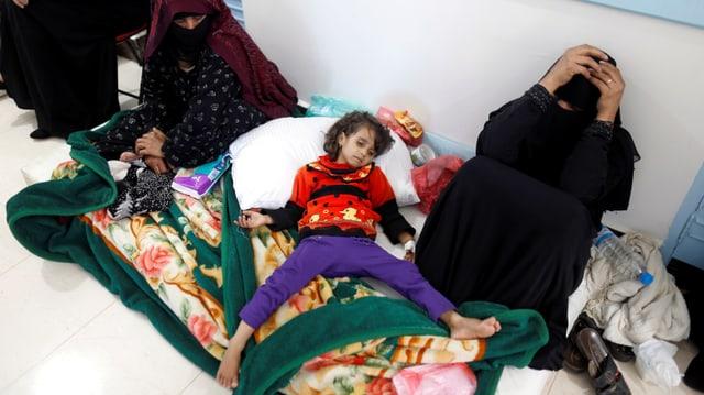 Ein mit Cholera infiziertes Mädchen in der Hauptstadt Sanaa.
