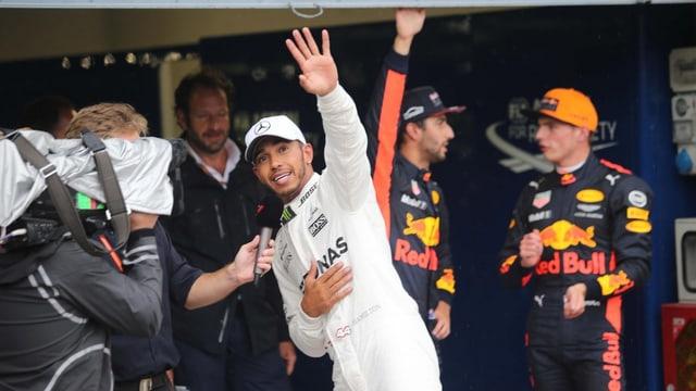 Hamilton che sa legra da la pole position.
