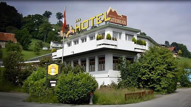 Das Hotel Pilatusblick dient aktuell als Unterkunft für minderjährige Asylbewerber.