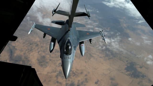 US-Kampfjet beim Auftanken über dem syrischen Luftraum.