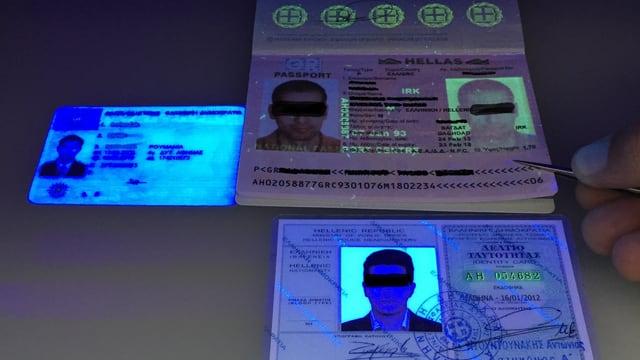 Dokumente leuchten unter UV Licht