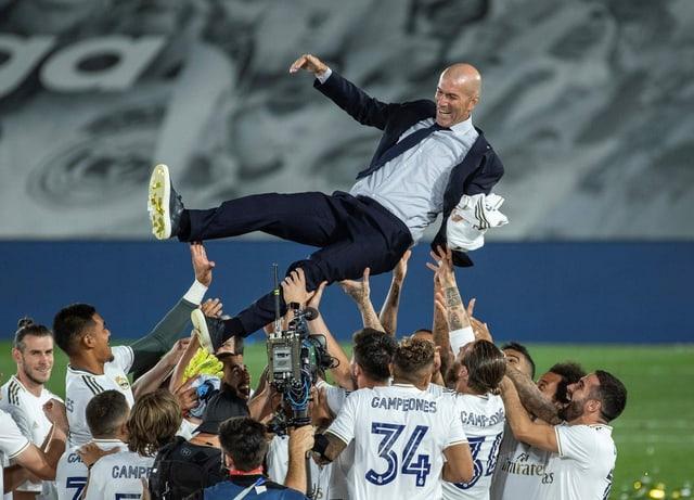 Zinédine Zidane kehrte im März 2019 zurück zu Real Madrid und konnte in der ersten kompletten Saison an die Erfolge (3 CL-Titel, einmal Meister und Cupsieger sowie 2 Mal Klub-Weltmeister) der ersten Amtsperiode von 2016 bis 2018 anknüpfen. Zidane setzte dabei auf Routiniers wie Sergio Ramos, Luka Modric, Karim Benzema und Toni Kroos.