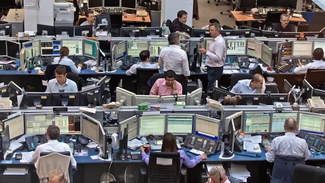 Blick in die Handelszentrale der UBS in Opfikon.