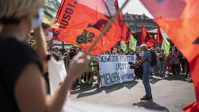 300 Menschen fordern in Bern Evakuierung von Flüchtlingslagern