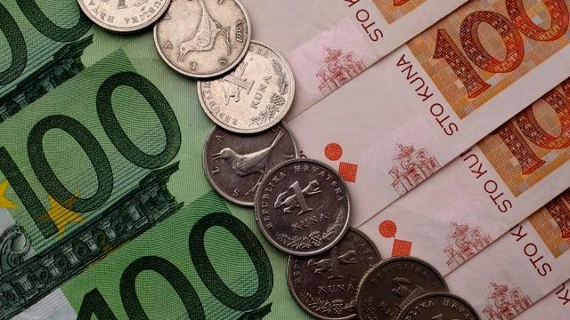 Bancnotas e munaida en la valuta Euro.