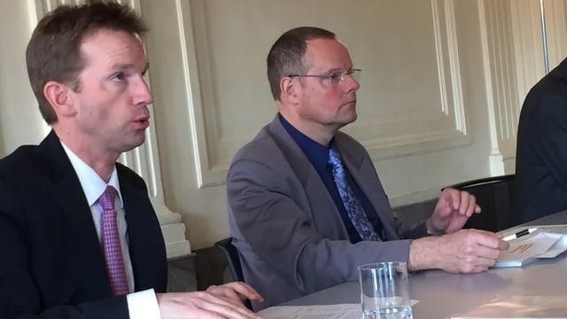 Stadtberner Finanzdirektor Alexandre Schmidt und Steuerverwalter Moritz Jäggi.
