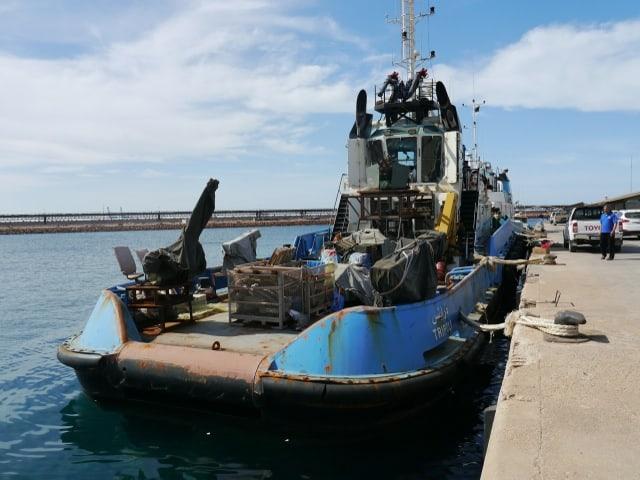 Heruntergekommenes Schiff der libyschen Kustenwacht
