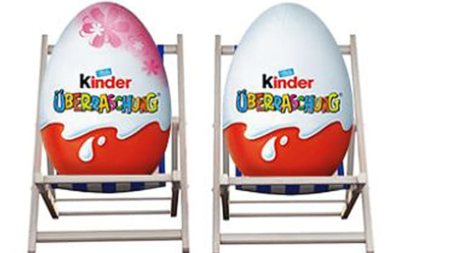 Ü-Ei auf einem Liegestuhl