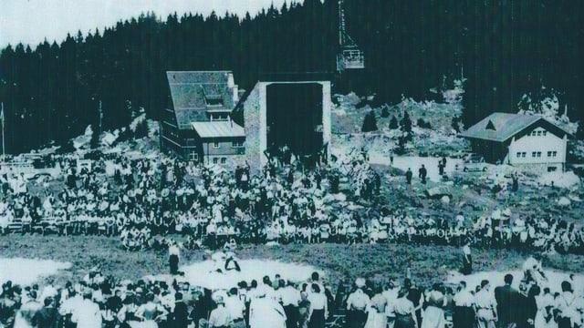Schwarz weiss Foto der Schwägalp-Schwinget aus den frühen Fünfziger Jahren.