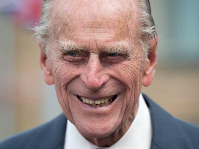Prinz Philip lacht