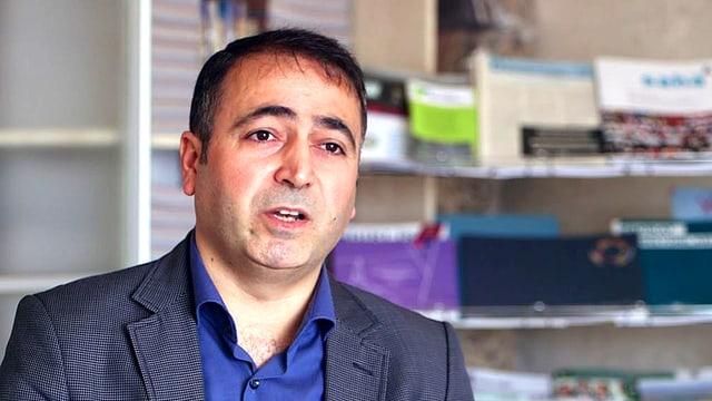 Portrait des türkischen Politologen Professor Cuma Cicek.