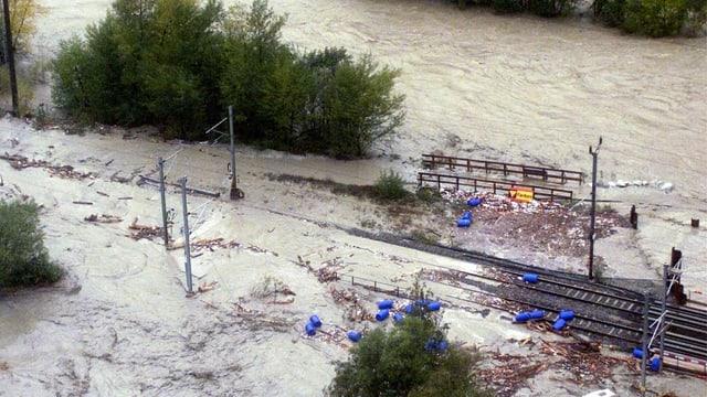 Überschwemmte Bahngleise