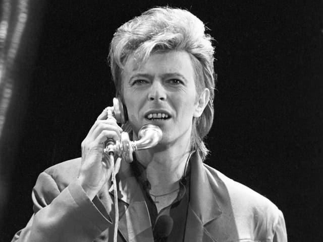 David Bowie bei einem Konzert in West-Berlin 1987