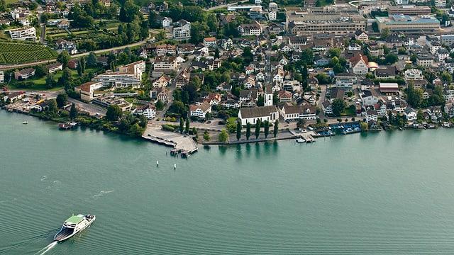 Luftaufnahme von Meilen am Zürichsee