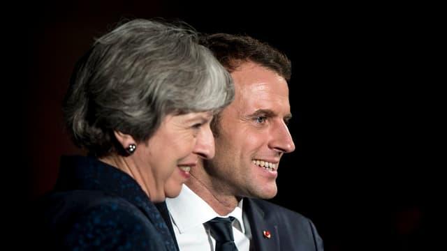 Emmanuel Macron e Theresa May.