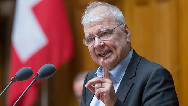 Der Zürcher Grüne Daniel Vischer während einer Rede im Nationalrat.