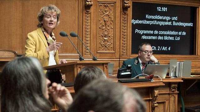 Finanzministerin Eveline Widmer-Schlumpf spricht im Nationalrat.