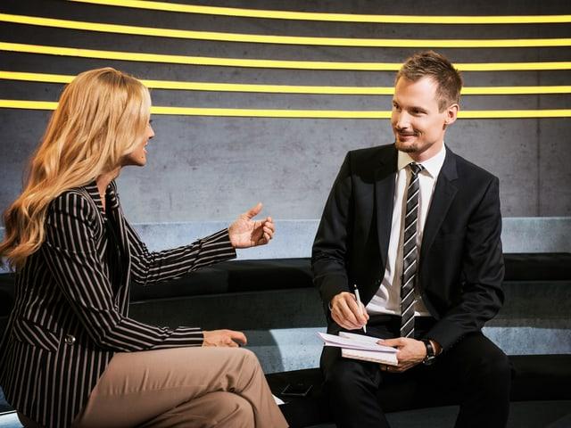 Christa Rigozzi und Jonas Projer freuen sich auf Ihre Sendungskritik.