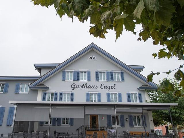 Das Gasthaus Engel in Sachseln von aussen.