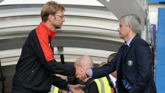 Klopp und Mourinho geben sich die Hand