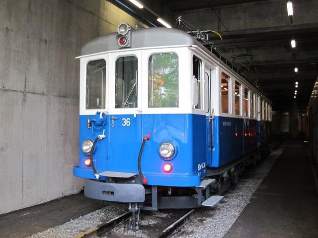 Das restaurierte Blaue Bähnli im RBS Depot Worb-Laufen.