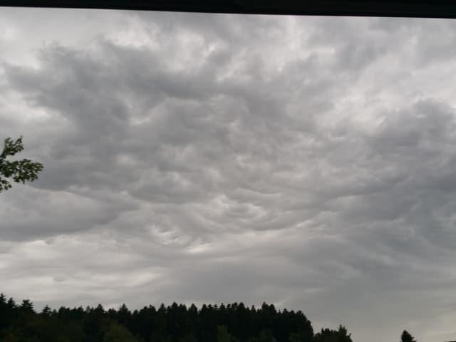 Wellen in den Wolken