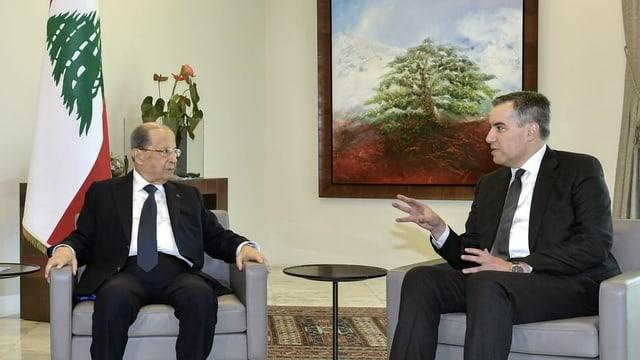 Michel Aoun (L) und Mustafa Adib