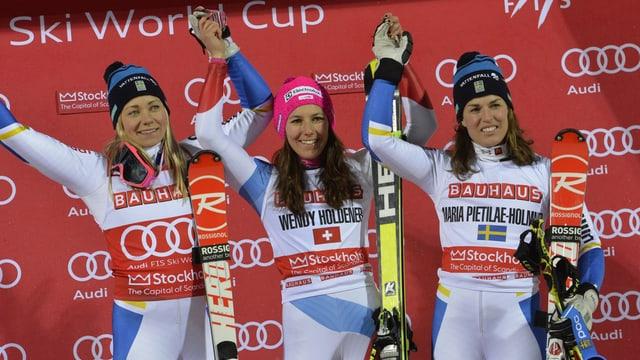 Wendy Holdener gudogna il slalom parallel a Stockholm. Las duas Svedaisas Frida Hansdotter (san.) e Maria Pietila Holmer cumpletteschan il podest.